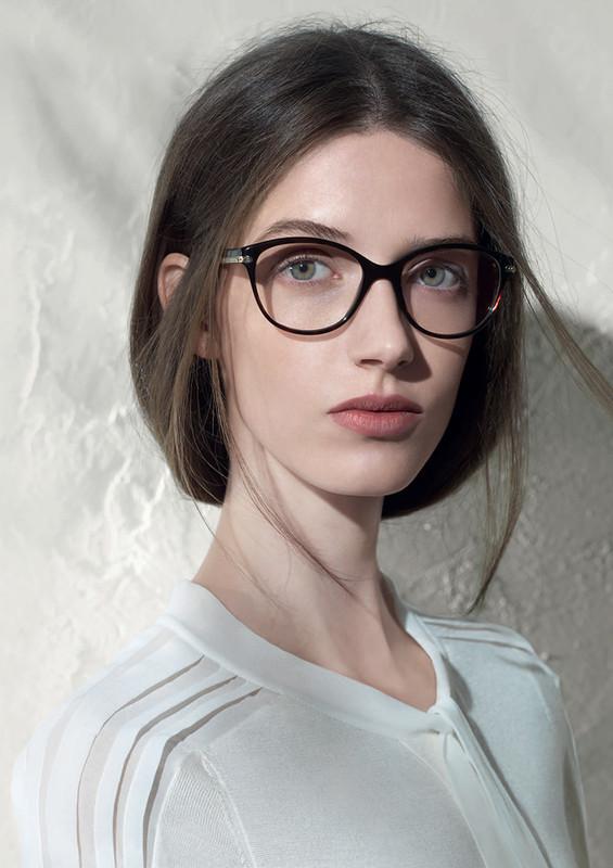 d62619e8e4efa Sortie Spécialisée lunette de vue femme nina ricci Baskets ...